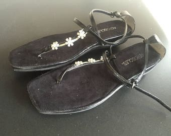 Aerosoles black leather flip flops with flower rhinestones size 9 1/2