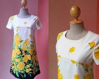 Tunic Dress 1960s Dress 60s Mod Dress Mini Dress Shift Dress Summer Dress Vintage Day Dress Floral Dress Cream Dress Short Sleeve Dress XS