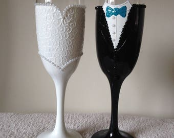 Hand painted champagne glasses, bride and groom, wedding gift, personalised, handpainted