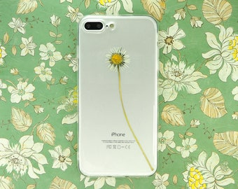 iPhone 7 PLUS / iPhone 8 PLUS case with a real pressed daisy
