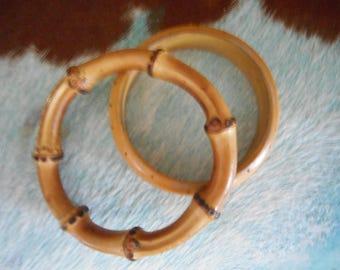 Pr of Wood Bangle Bracelets