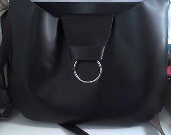 Dark brown leather shoulder handbag