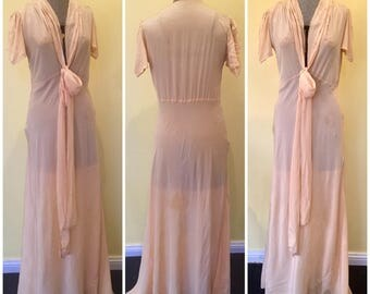 1940s nightgown - peachy pink - as is