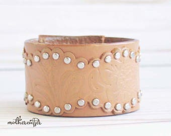CUSTOM HANDSTAMPED brown leather cuff with scallope design by mothercuffer