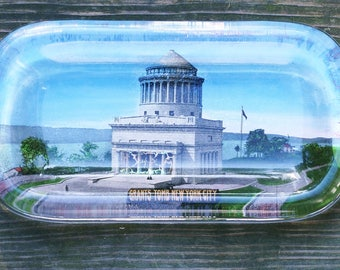 Rare Vintage Grants Tomb New York City Glass Paperweight
