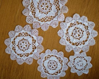 Set of 5 bobbin lace  round doilies
