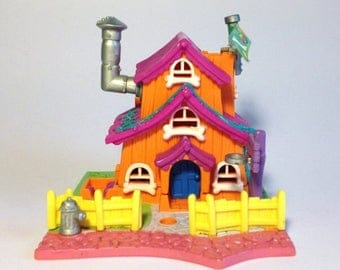 "ON SALE Polly Pocket ""Dog House"""