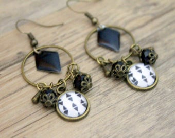 Earrings Bohemians graphic triangles with black sequin - cabochon