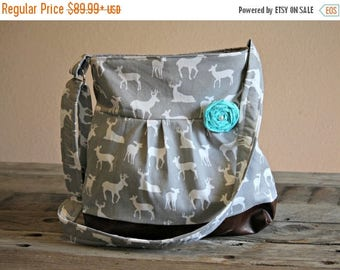 CHRISTMAS SALE Concealed Carry Purse, Medium Messenger Bag, Grey Deer, Conceal Carry Handbag, Concealed Carry Purse, Conceal and Carry, Hunt