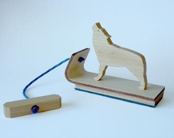 Wolf pyrenees, wooden pull toy / various types of wood
