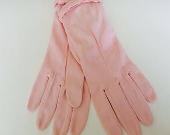 Vintage 1950s Pink Pin Tuck Detailed Wrist Gloves Size 7.5