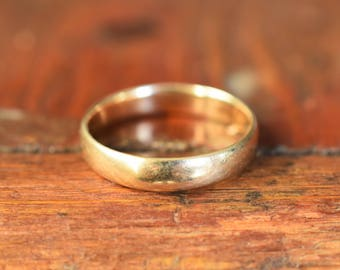 """1900s 10K Antique """"JR Wood/Artcarved"""" Wedding Band in Yellow Gold"""