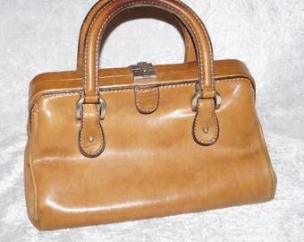 60's nurse bag doctor's bag handle bag