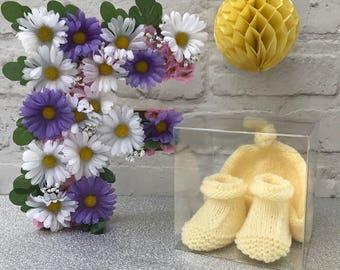 Baby hat and booties gift set, lemon, newborn baby gift, baby shower gift, booties.
