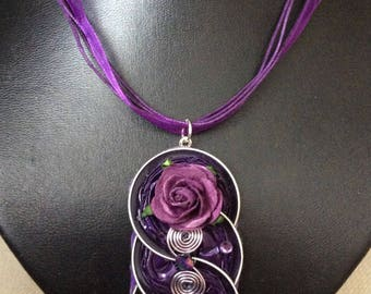 Necklace inorganza with nespresso aluminium hanger with flowers