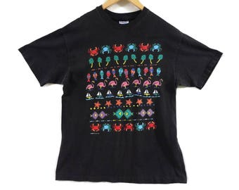 VTG 90s Tropical Print Tourist T-Shirt - Medium - Faded Black - 90s Clothing - 1990 - Ocean Shirt - Beach Vintage Tee - Vintage Clothing -