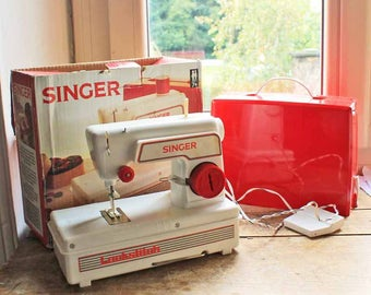 Vintage Singer toy sewing machine with original box / Singer toy Lockstich sewing machine made in & Vintage childrenu0027s sewing machine | Etsy Aboutintivar.Com