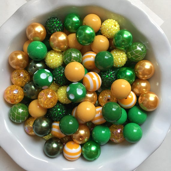 """100 {20mm} """"Packers: Golden Yellow & Green""""  Chunky Bubble Gum Bead Themed Bead Lot **Read Item description before purchase!"""