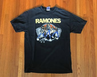 Vintage 90s The Ramones Road to Ruin Black 1999 T Shirt. Size Large