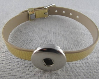 Medium gold color snap leather bracelet
