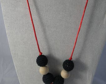 CollierPA016 - Babywearing necklace / nursing black, white and Red
