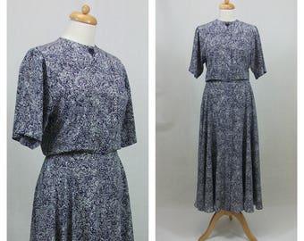80s 90s vintage dress. LIZ CLAIBORNE Midi dress. Shirtwaist dress. Floral print dress. Blue and white dress. Maxi dress. Size S - M.