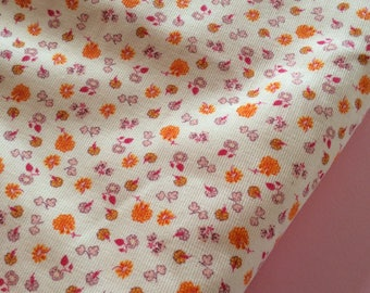 50 cm * 50 cm of fabric with small flowers on light pink, corduroy