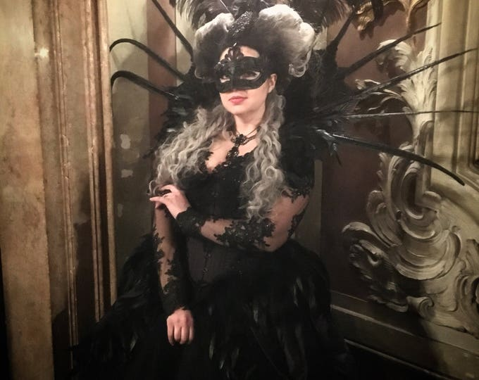 Elizabethan Collar Vampire gothic shoulder piece with long feathers