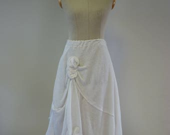 Romantic white linen skirt, M size.