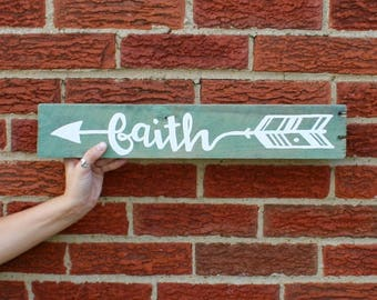 FAITH Arrow on Wood Pallet Sign, Holiday Wedding Sign, Recycled Reclaimed Religious, Christmas wood Sign