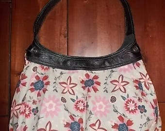 New Thirty-one Purse Skirt for Retired City Purse Grey with Navy, Red, & Pink Flowers 31 Gifts BEAUTIFUL Hobo Style