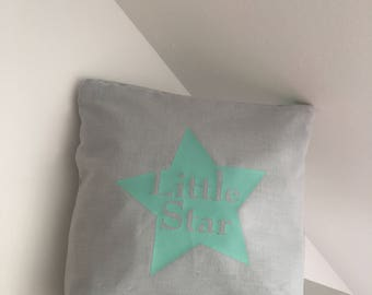 Toiletry bag in cotongris with a little water green star star