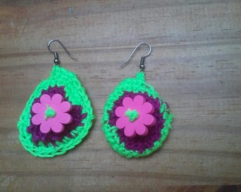 Earrings neon green and purple with pink flower button