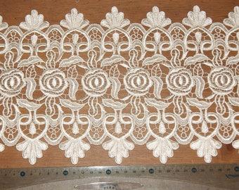 Venice 15CM flower pattern ivory guipure lace applique