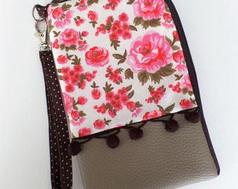 Case for taupe leatherette and cotton flowers.