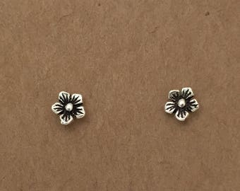 Sterling Silver Daisy Earrings | Stud Earrings, Flower Earrings, Sterling Silver, Flower Jewelry, Silver, Earrings, Minimalist, Flower, Stud
