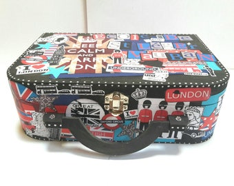 Urn scrappee London theme wooden suitcase