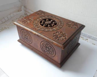 stunning vintage French hand made wooden trinket box / cigarette / jewellery box