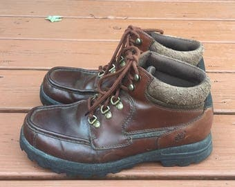 Vintage Men's Timberlands brown leather lace up boots / siZe 9 / free shipping