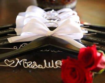 Set of 4 personalized hanger, wedding hanger, bridal hanger bridal gift, customized hanger, bridesmaid hanger