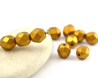 Set of 10 Czech glass beads from Czech 6 mm color antique gold metallic / PT032