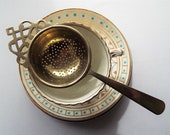 Vintage Tea Strainer, Silver Plated Looseleaf Tea Infuser. 1930s English tea strainer with pretty design, perfect for afternoon tea!
