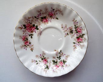 Vintage Lavender Rose Saucer by Royal Albert. Vintage Saucer With Pink Roses. Pink Tea Set Saucer or Replacement. Ideal for a Tea Party