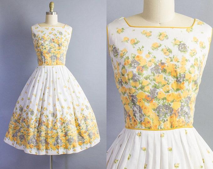 1950s Floral Dress/ Medium (38b/29w)
