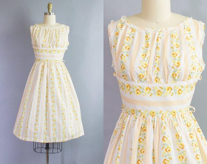 1950s Floral Dress/ Medium (36b/26-30w)