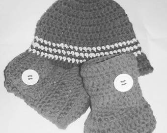 Newborn baby booties and hat unisex gray WOOL Ugg style