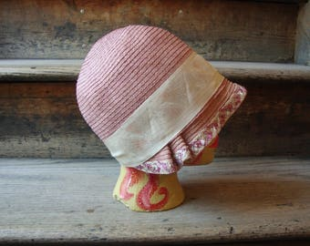 SALE!  Vintage Authentic 1920's Rose Straw Cloche' Hat with Art Deco Ribbon Trim * Size Small