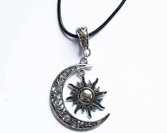 Fantastic Necklace: Sun and moon