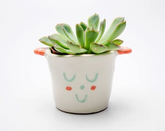 Ceramic pot *little guy*