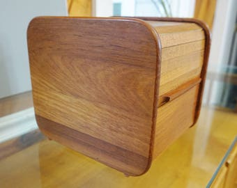 Teak Tech roll top storage docking station for keys tv remote and more - Really cool Father's day gift idea for dad! Teak Wood Desk Oranizer